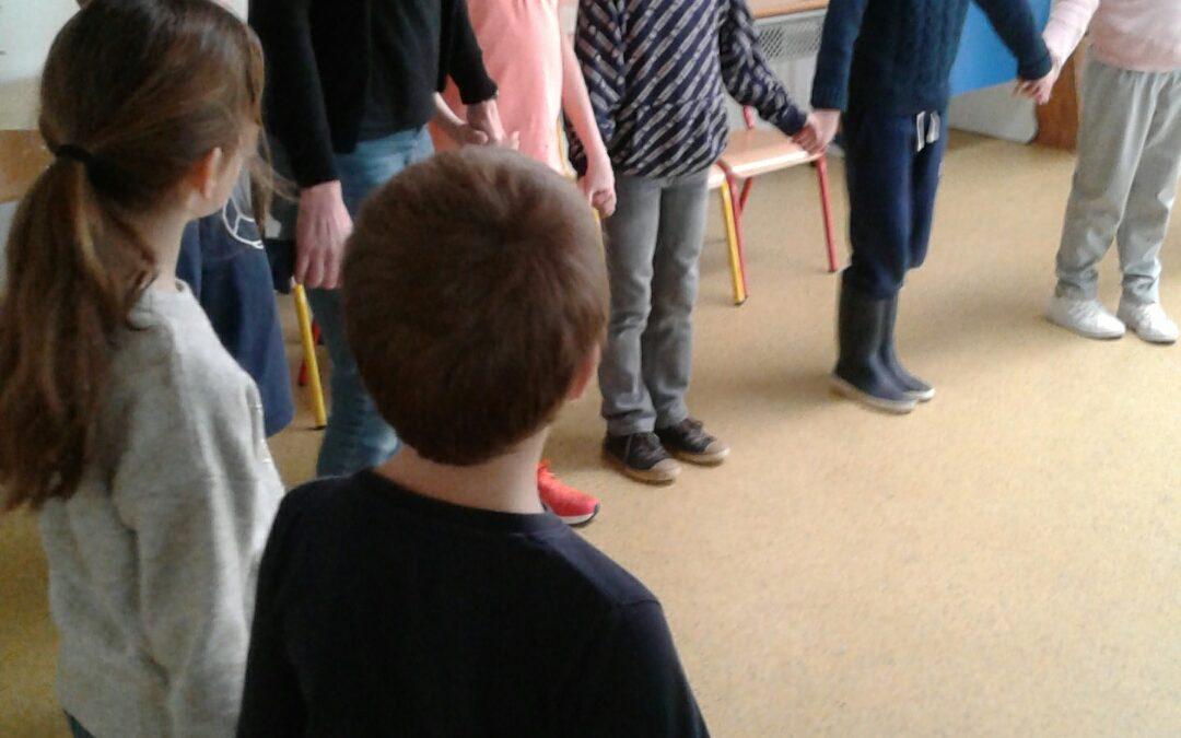 Danse bretonne en CE2
