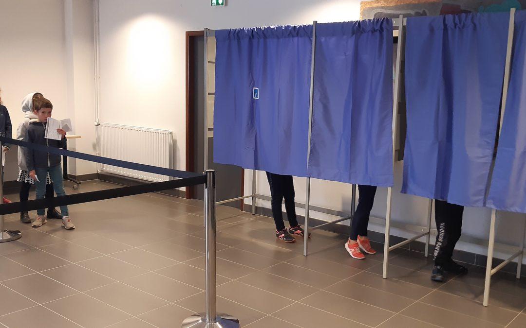 Le CMJ: les CM1 votent!